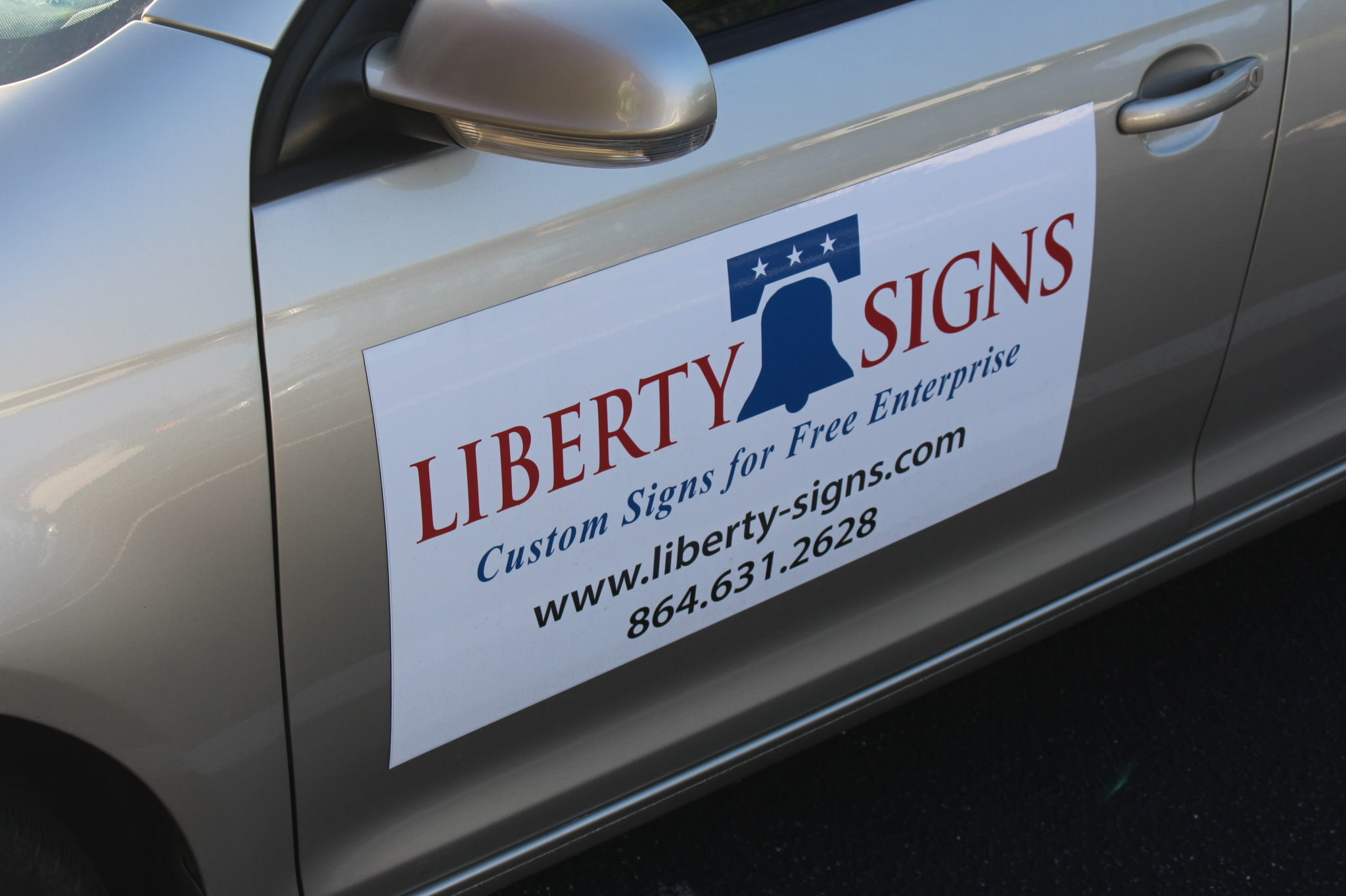 Magnetic vehicle sign convenience with your marketing advantages